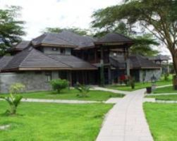 Lake Naivasha simba lodge for best Safaris and Lodge