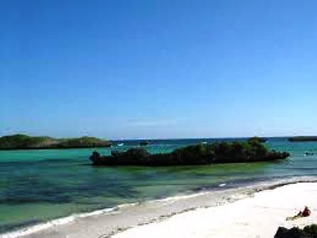 islands and coral reefs in the Lamu Archipelago