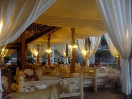 eating place in Pelican Lodge at lake elentaita