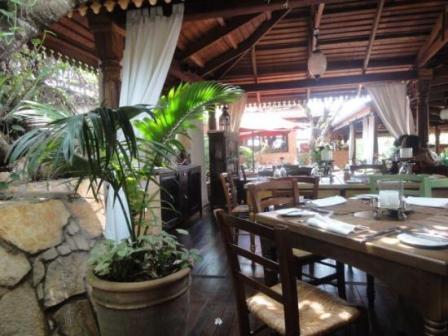 Big Tree Beach Hotel Mombasa restaurant