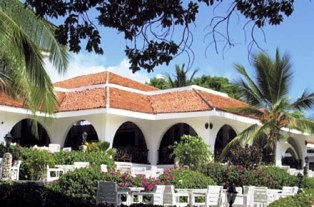 Kenya Mombasa beach hotel accommodation
