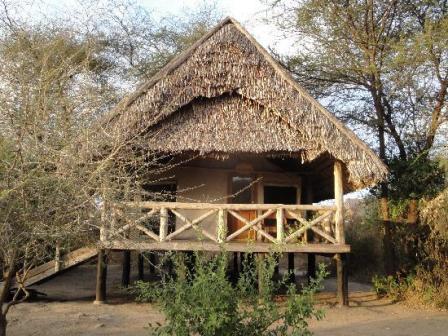 Masai mara game reserve accommodation camp