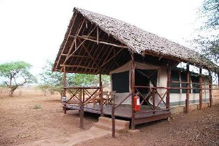 Voyager Safari Camp in Tsavo West National Park.