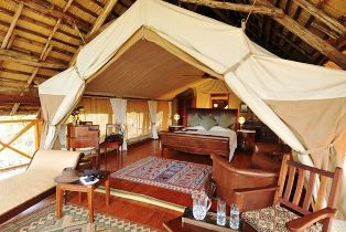 Hattons Tented Lodge in Tsavo Game Reserve Kenya